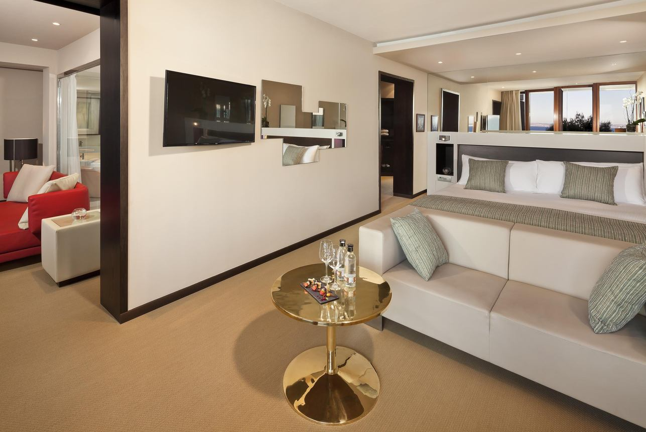 Royal Suite Red level