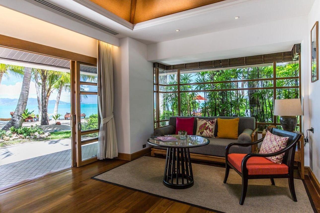 Deluxe Beach Front Villa