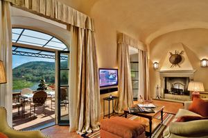 Arno Presidential Suite