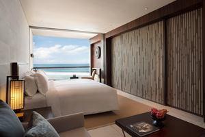 Deluxe Ocean Suite