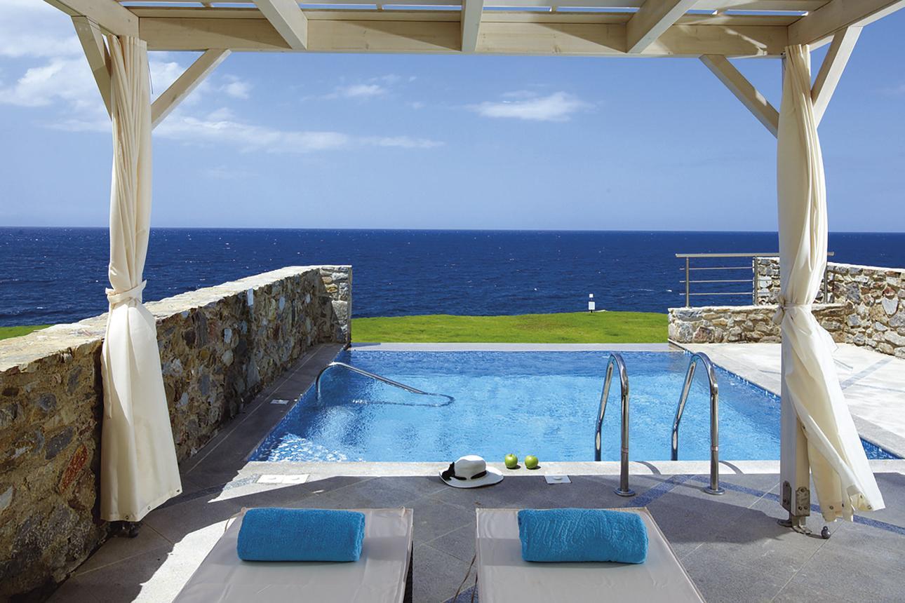 Luxury Pool Suite