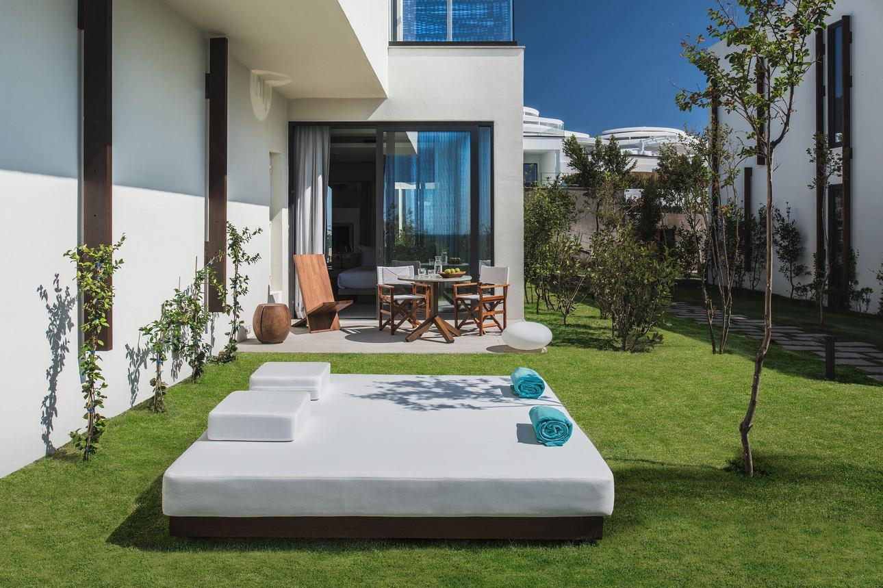 Luux King Kamer met tuin