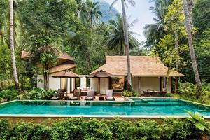 Family Villa 105 with Pool