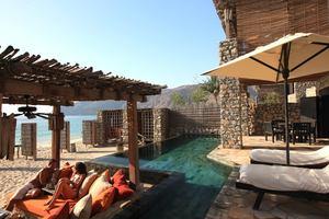 Zighy Pool Villa Suite Beach Front 2-slaapkamers