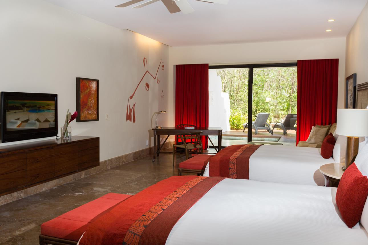Zen Grand Pool Suite