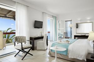 Junior Jacuzzi Suite Sea Front