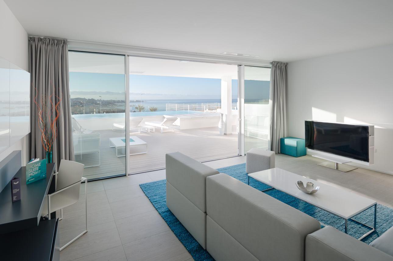 Tweekamer Pool Suite