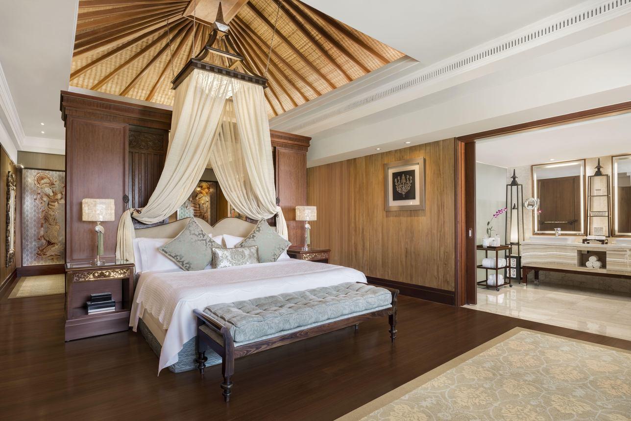 Grande Astor Presidential Suite