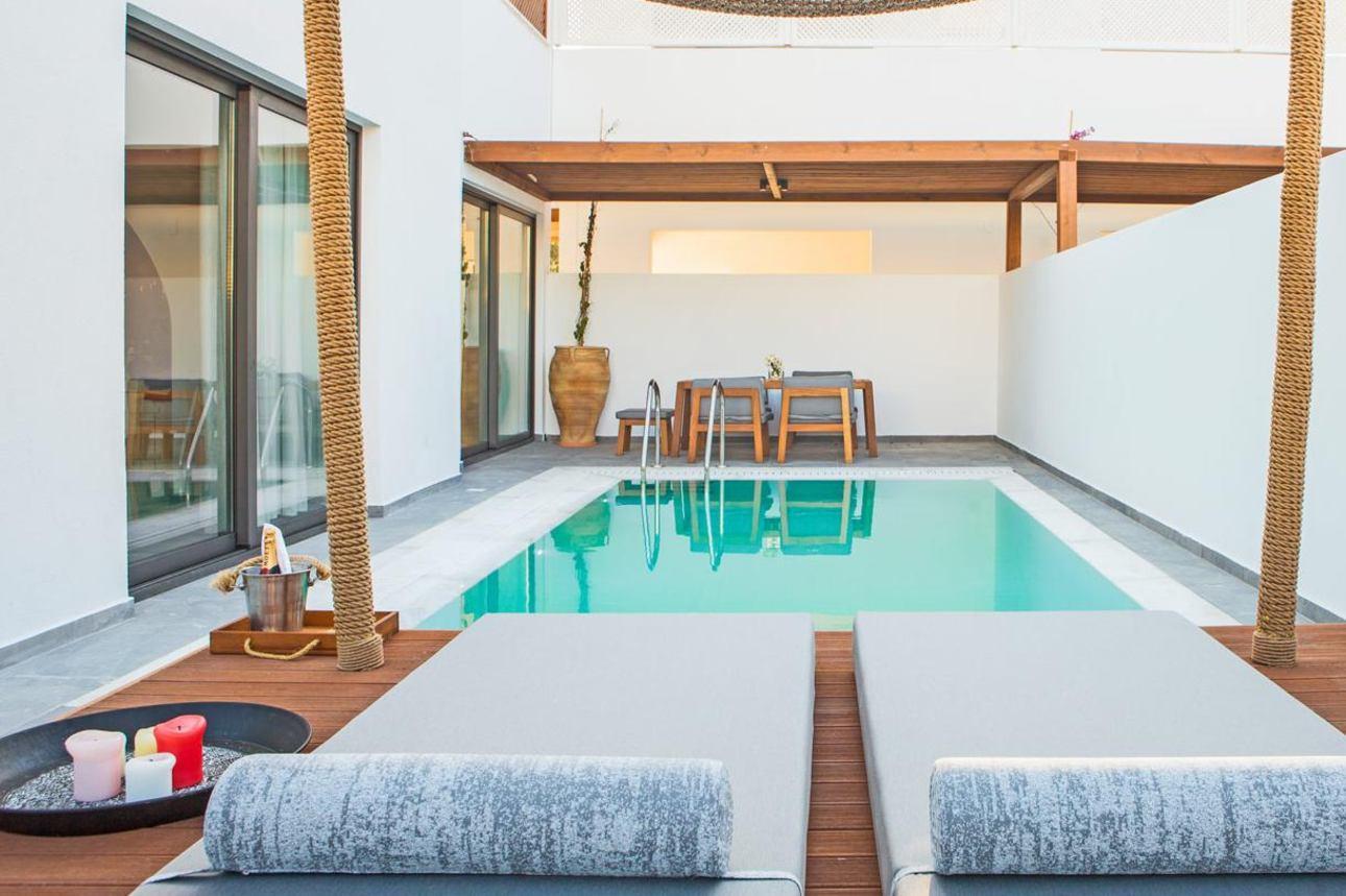 Bohemian Pool Suite