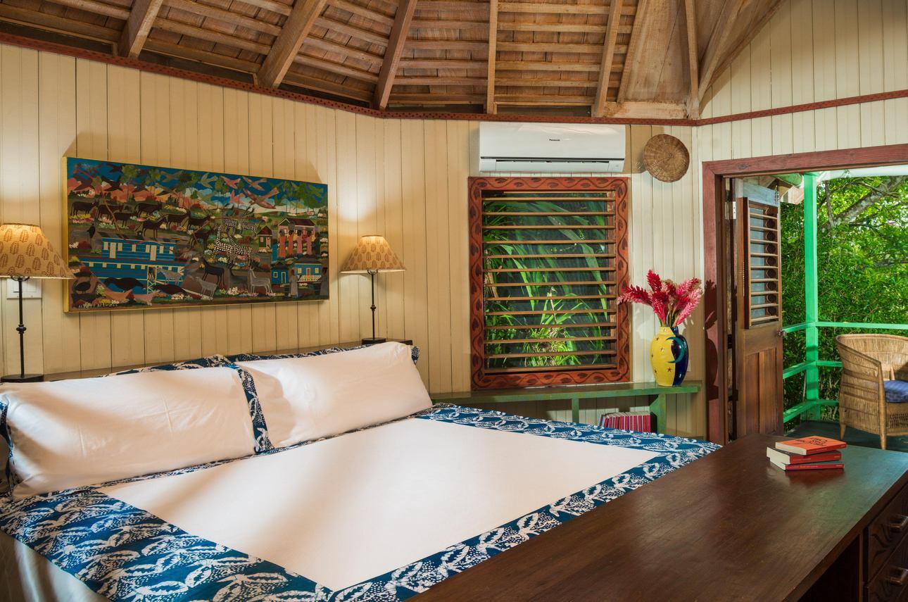 Spanish Elm Lagoon Hut