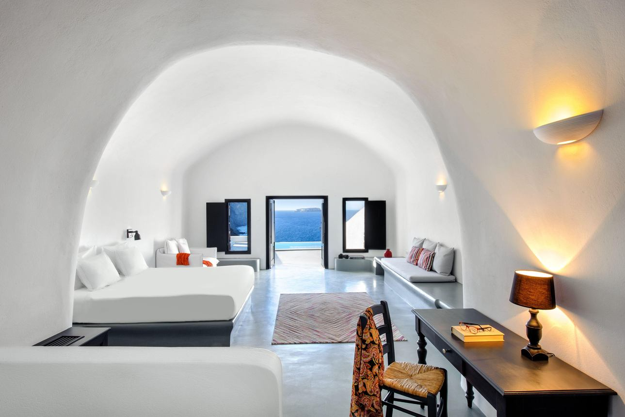 Infinity Cave Suite