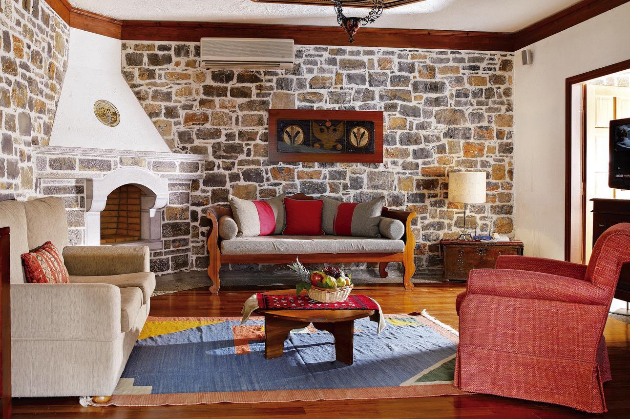 Minoan Royalty Suite