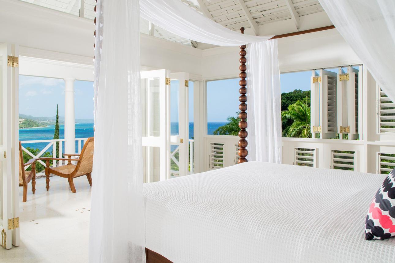 Grand Pineapple Villa Suite