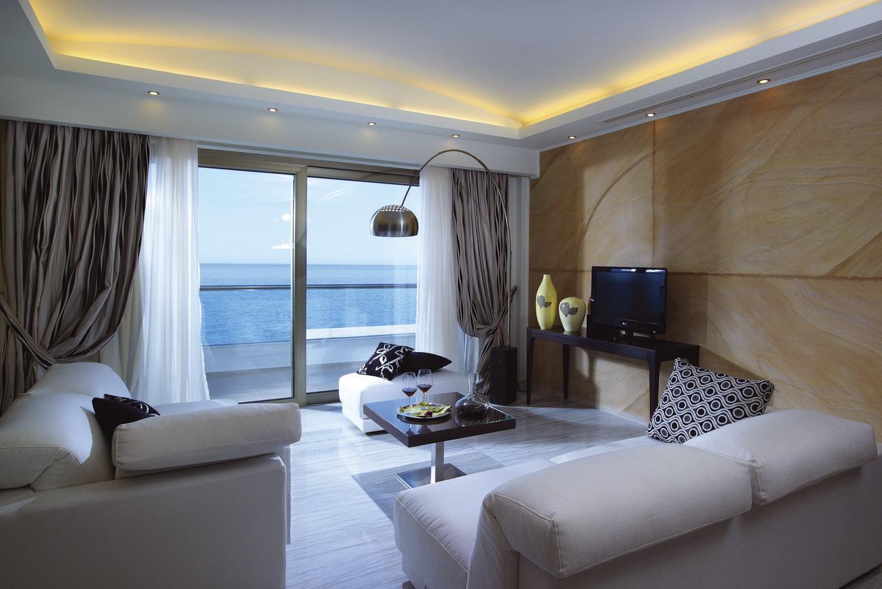 Royal LuxuryPool Suite