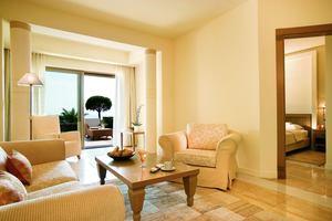 Suite Marina Front